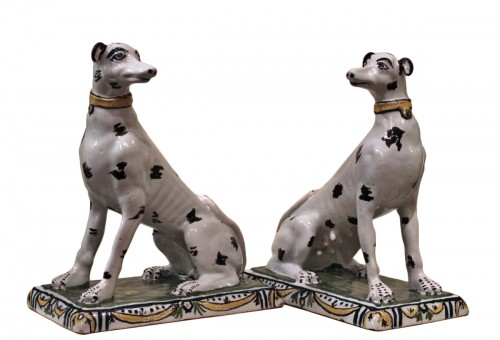 Pair of dogs in Brussels faience