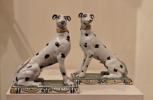 Pair of dogs in Brussels faience -
