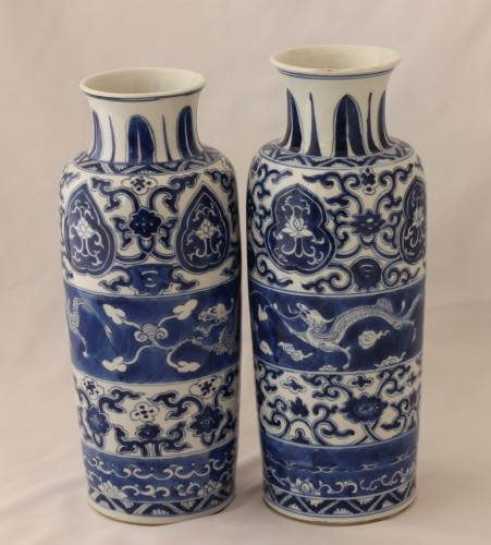 Two vases forming pair in Chinese porcelain, Kangxi Period (1662-1722). - Porcelain & Faience Style
