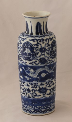 Porcelain & Faience  - Two vases forming pair in Chinese porcelain, Kangxi Period (1662-1722).