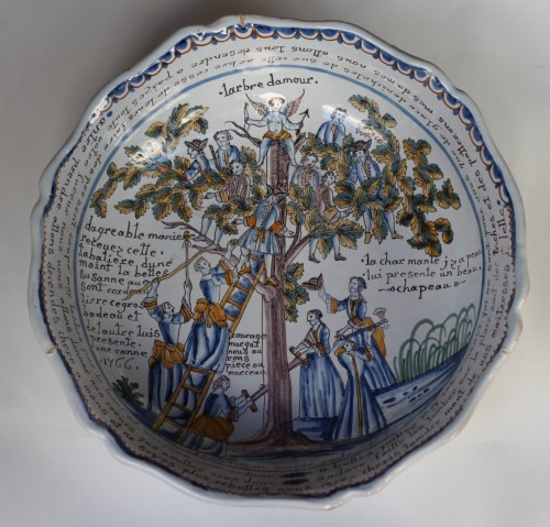 "Nevers, Bowl with decoration ""the tree of love"" 18th century -"