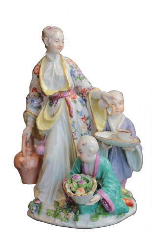 Meissen porcelain group representing a Chinese family