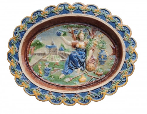 Enamelled terracotta dish