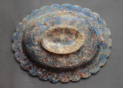Enamelled terracotta dish - Porcelain & Faience Style