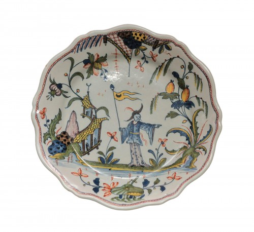 Rouen, plate with a chinese and a flag, vers 1750