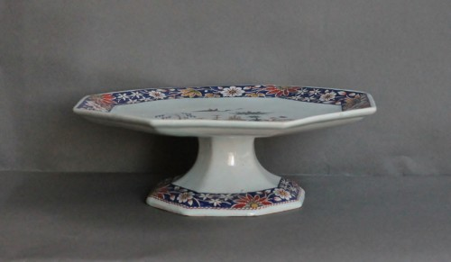 Rouen earthenware cup on foot with pagoda decoration, 18th century -