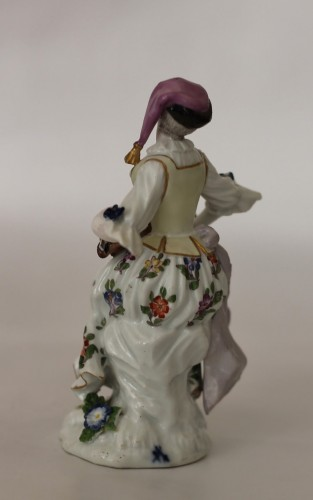 Colombine playing the hurdy-gurdy, Meissen porcelain 18th century. -
