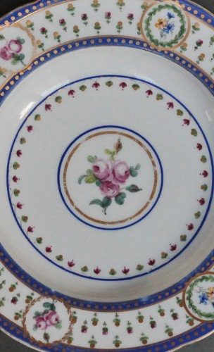 """Porcelain & Faience  - Soup plate in soft Sèvres porcelain from the """"Bombelles"""" service, 18th century"""