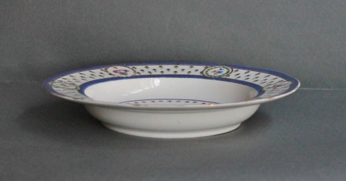 """Soup plate in soft Sèvres porcelain from the """"Bombelles"""" service, 18th century - Louis XVI"""