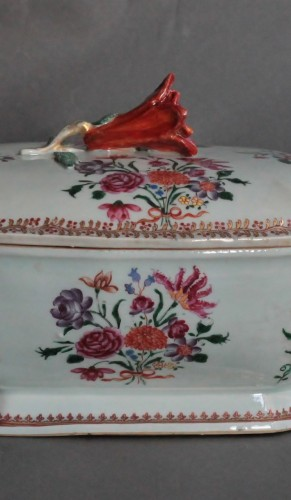 Covered Tureen in porcelain of Chine, Company of the Indies, 18th century - Porcelain & Faience Style Louis XV