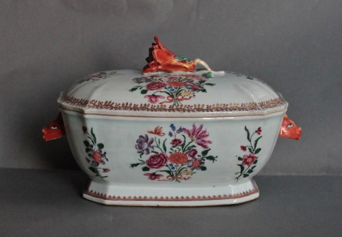 18th century - Covered Tureen in porcelain of Chine, Company of the Indies, 18th century