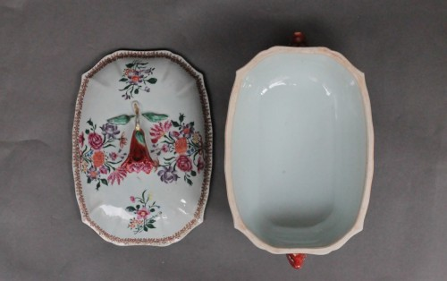Antiquités - Covered Tureen in porcelain of Chine, Company of the Indies, 18th century