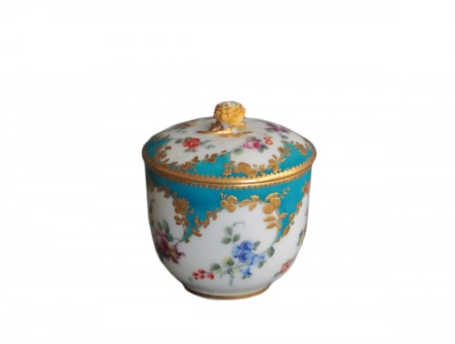 Sugar Pot in Vincennes Porcelain Circa 1756