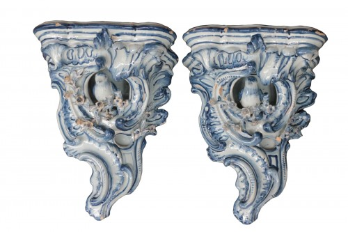 Pair of Delft sconces decorated in blue, 18th century