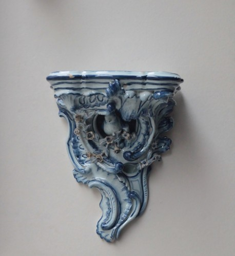 Porcelain & Faience  - Pair of Delft sconces decorated in blue, 18th century