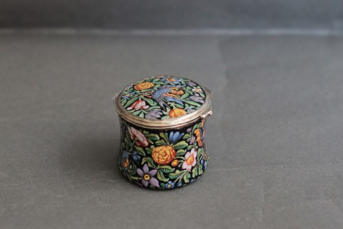 Oval enamel box decorated with birds, flowers and foliage, 18th century -