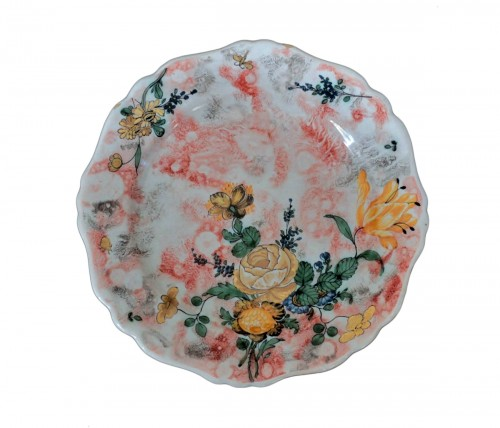Marseille, plate with mixed technique, 18th century.