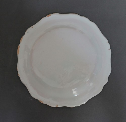 Marseille, plate with mixed technique, 18th century. -