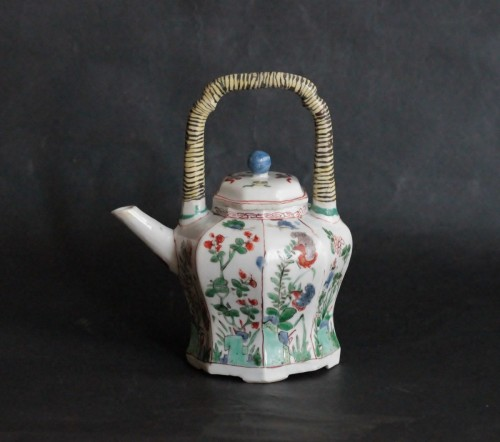 Louis XIV - Chinese porcelain teapot, Green Family, Kangxi period, 18th century.