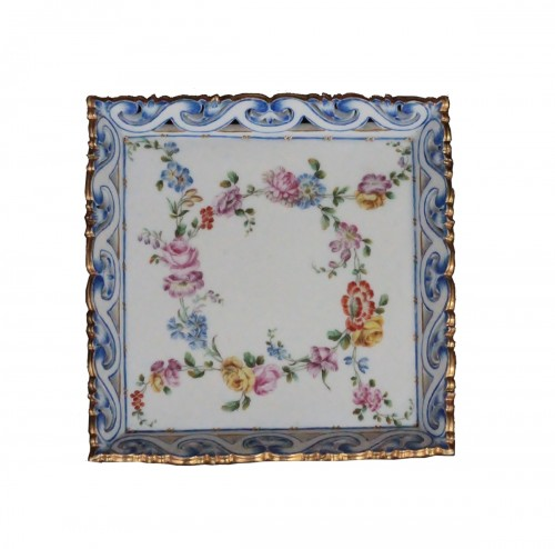 Sevres porcelain suare tray, letter date G for 1760. 18th century