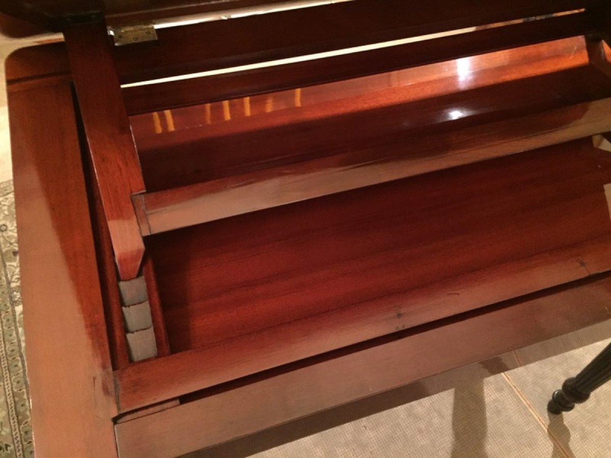 Table la tronchin en acajou poque restauration xixe for Epoque restauration meuble
