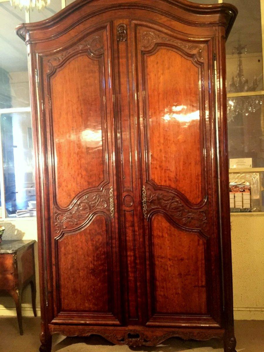 armoire bordelaise en acajou xviiie si cle. Black Bedroom Furniture Sets. Home Design Ideas