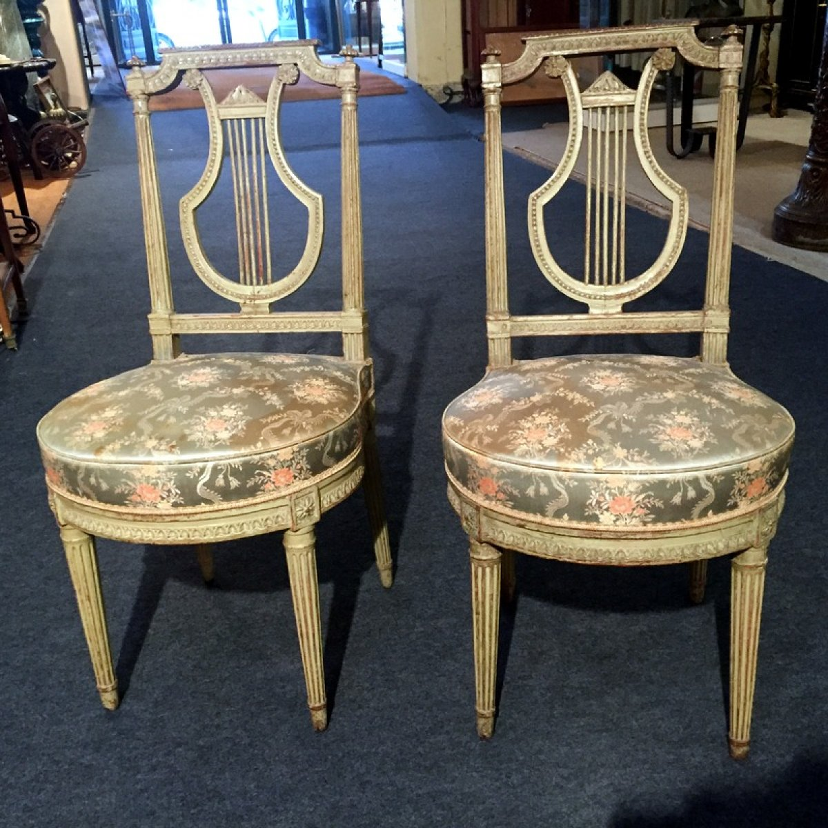 paire de chaises louis xvi dossier lyre xviiie si cle. Black Bedroom Furniture Sets. Home Design Ideas
