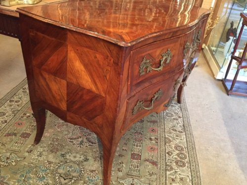 Mobilier Commode - Commode Louis XV en marqueterie