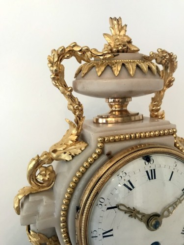 Antiquités - French Louis XVI bronze and marble mantel clock