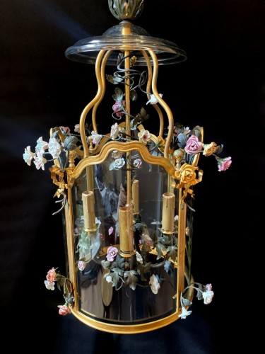Lantern in gilded bronze and porcelain flowers - Lighting Style Napoléon III