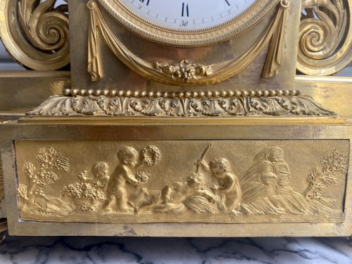 A gilt bronze Directoire clock - Directoire
