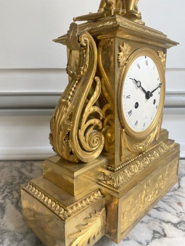 Antiquités - A gilt bronze Directoire clock