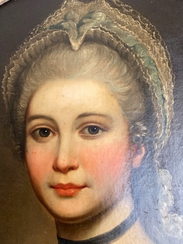 Paintings & Drawings  - Medallion portrait of a lady