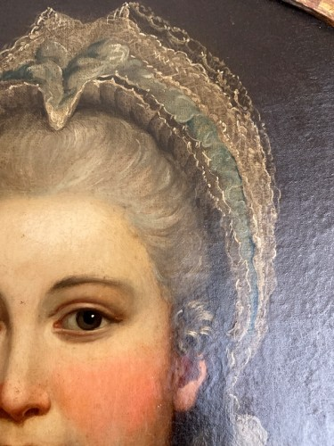 18th century - Medallion portrait of a lady