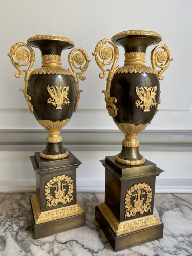 Decorative Objects  - Pair of gilt bronze restoration cassolettes vases