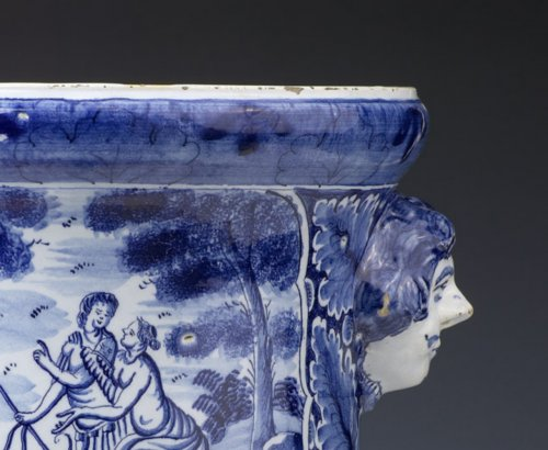 18th century - Dutch Delftware Urn-shaped Jardinière