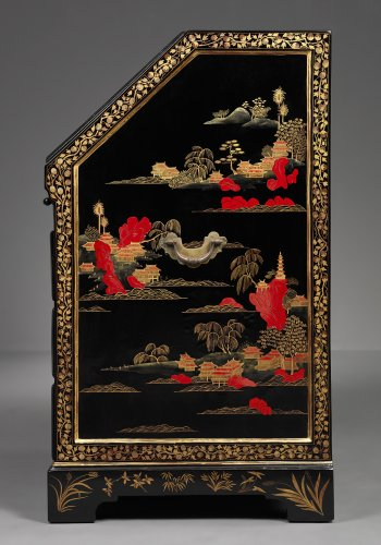 Chinese Laquered Writing Desk made for the European Market -