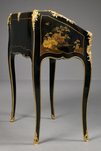 18th century - A Very Fine French Ormolu Mounted European Lacquered Bureau en Pente