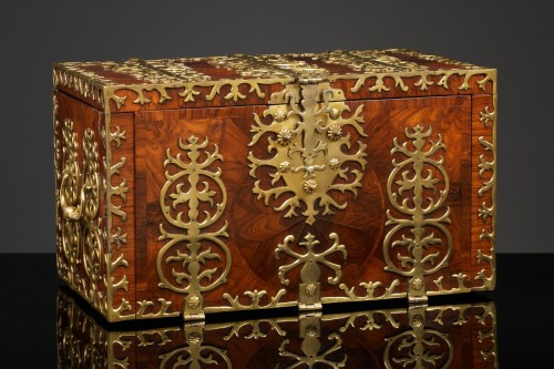 Curiosities  - 17th century Strongbox