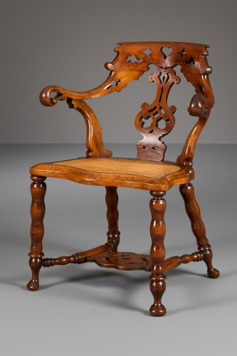 Portuguese Colonial Chair - Seating Style