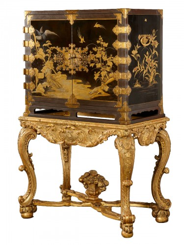 Japanese Lacquer cabinet on a French giltwood Régence stand