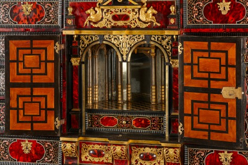 Flemish Lacquer inlaid and Tortoiseshell Cabinet-on-stand,  Antwerp - Louis XIV