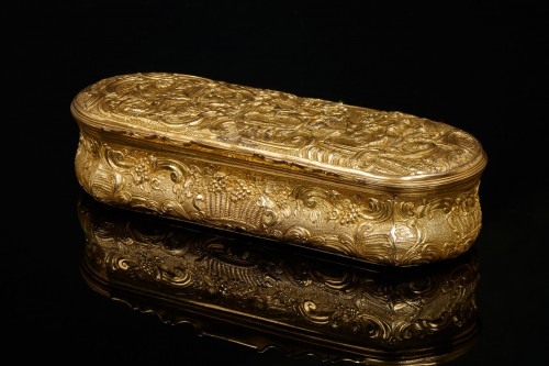 Objects of Vertu  - French Louis XV Gilt Snuffbox