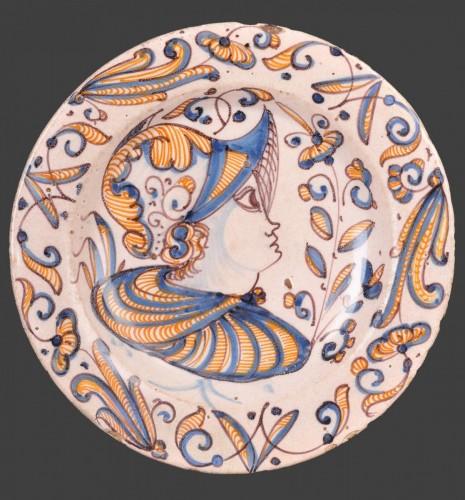 A Talavera serie tricolor dish - Porcelain & Faience Style