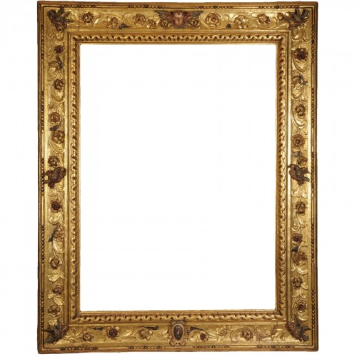 A magnificient  italian baroque giltwood frame