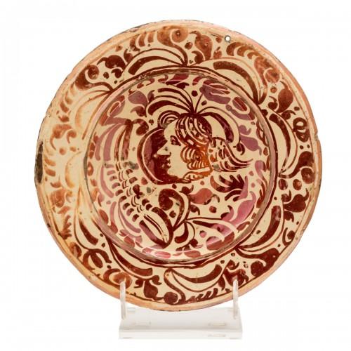 A lusterware plate. Reus. Circa 1600.