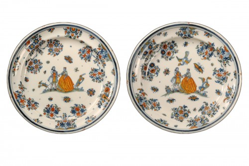 Large pair of dishes in Alcora (Spanish) faience between 1735 and 1760