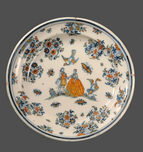 Porcelain & Faience  - Large pair of dishes in Alcora (Spanish) faience between 1735 and 1760