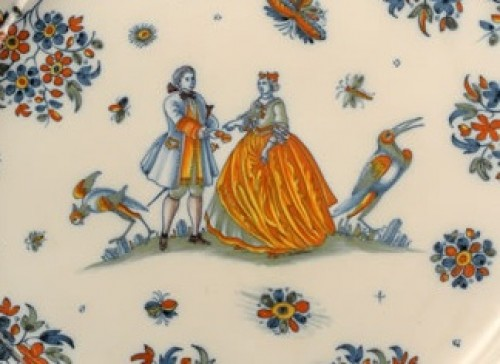Large pair of dishes in Alcora (Spanish) faience between 1735 and 1760 -