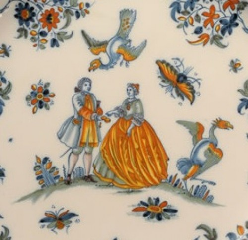 18th century - Large pair of dishes in Alcora (Spanish) faience between 1735 and 1760